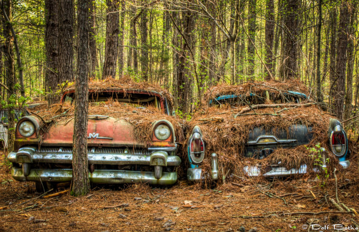 However, there is something hauntingly eerie about these abandoned vehicles.