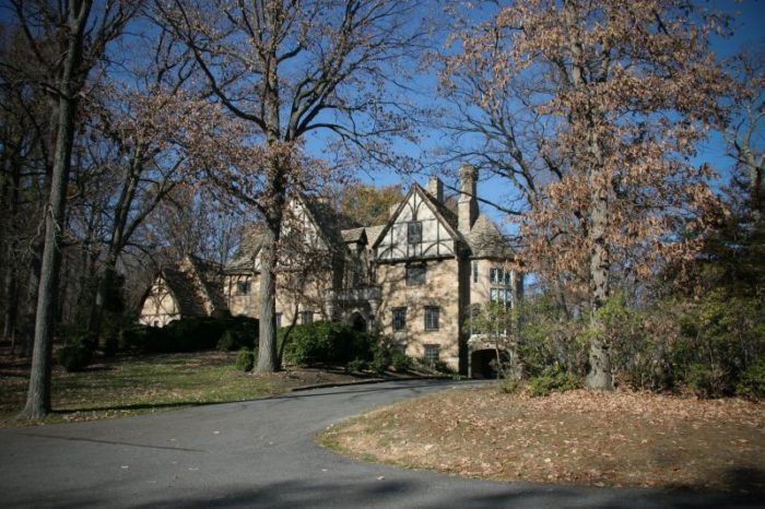 Located in Lutherville, Cloisters Castle is a charming sight to behold and has a somewhat romantic history.