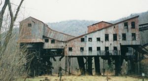This Spooky Small Town In West Virginia Could Be Right Out Of A Horror Movie