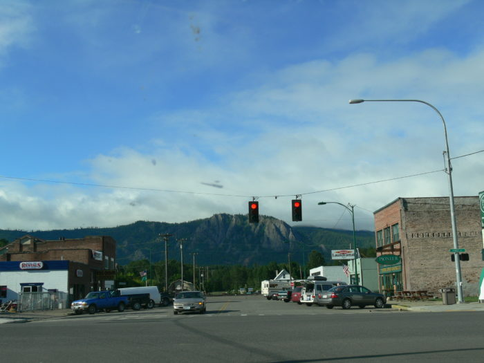 Cle Elum was incorporated as a city in 1902. Back then it had a prosperous coal mining industry and a very successful lumber industry, which brought the railroad to town.