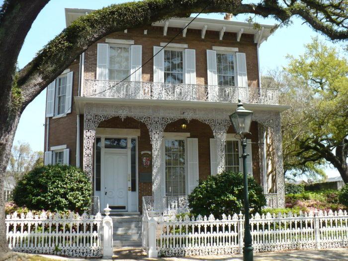 6. Richards DAR House