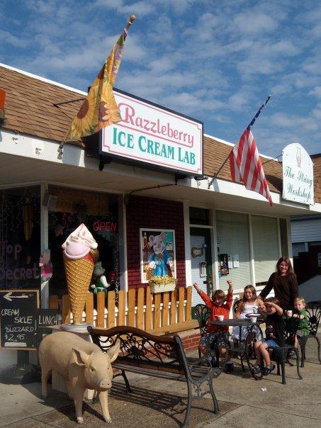 4. Razzleberry's Ice Cream Lab - Oak Ridge