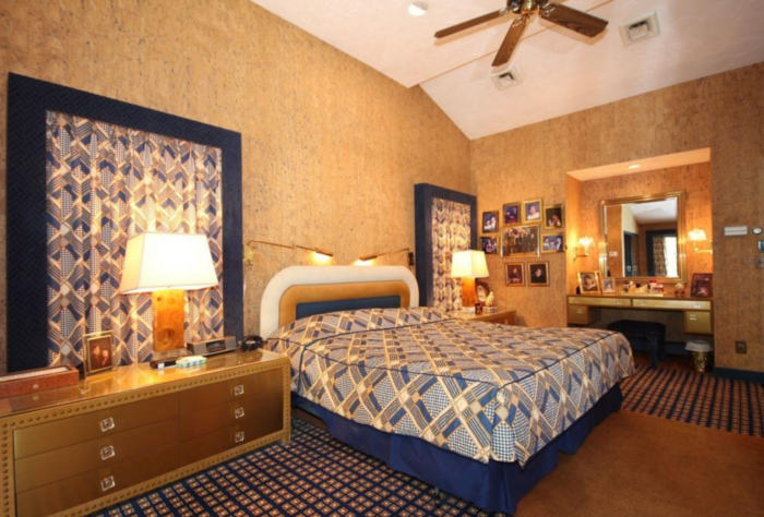 The level of commitment to matching fabrics in this bedroom is a 12 out of 10.