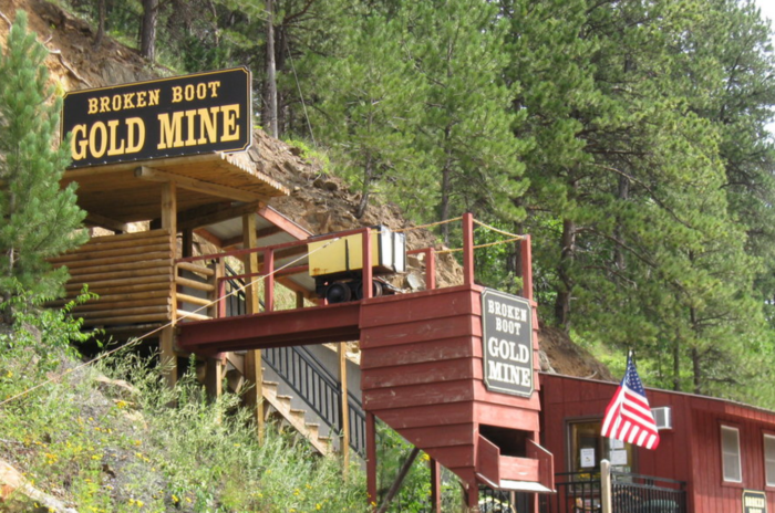 The mine was constructed in 1878 after the discovery of gold in Deadwood, South Dakota