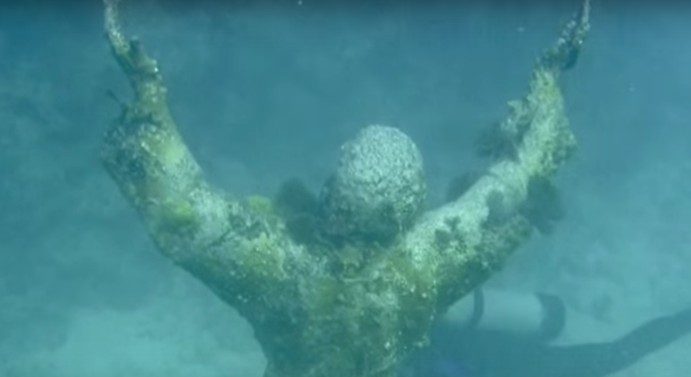 This Underwater Statue In Florida Is Hauntingly Beautiful