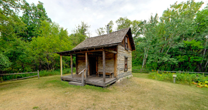 You'll also pass the nearby settlers cabin, which was moved here to give you a glimpse into life of the past. It has items from a pioneer family and a small garden.