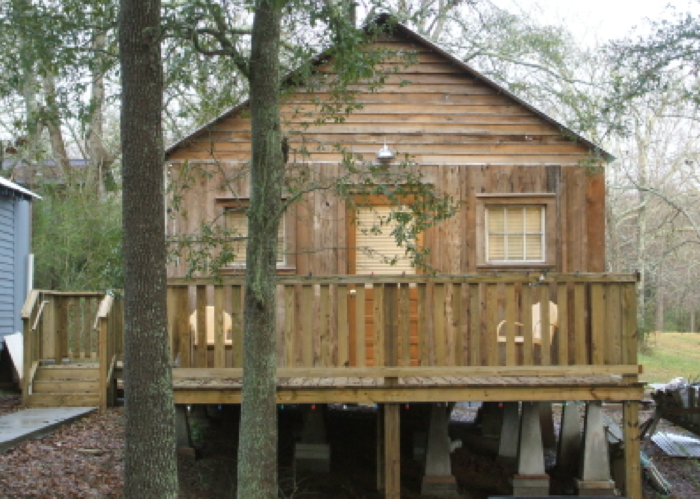 Some cabins are bigger than others. (This would be the ideal spot for a huge family reunion!)