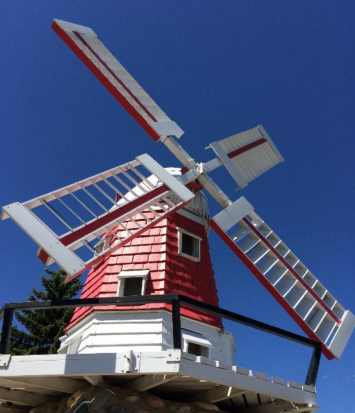 Along your walk, you will see other pieces of architecture and heritage, such as a map of the Scandinavian countries made from stone tiles, and this charming windmill.