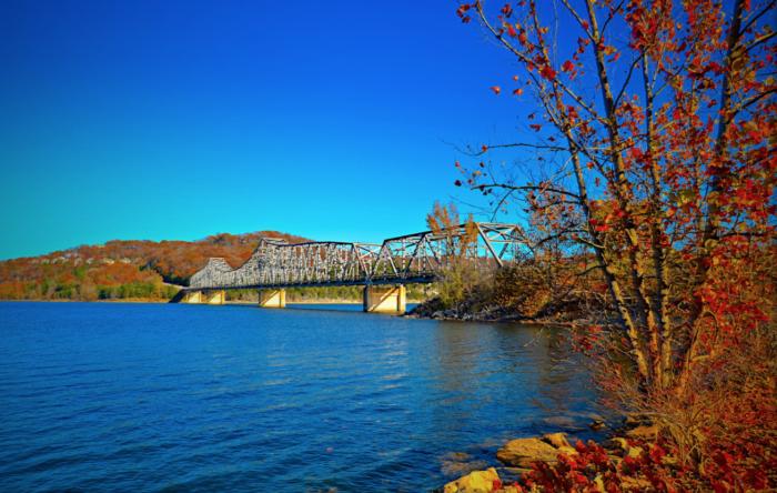 Lake Ozark Missouri >> Best Autumn Road Trip In Missouri