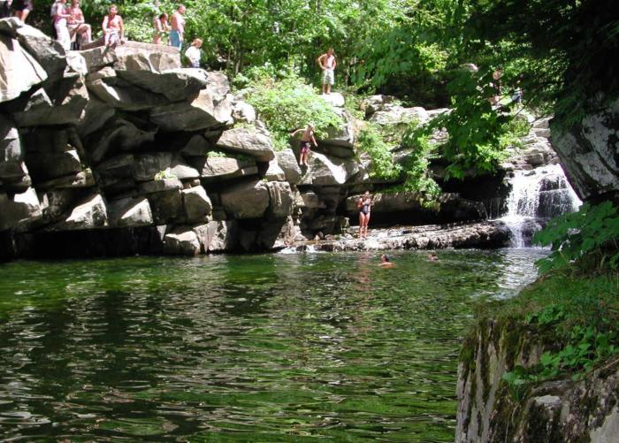3.  Bristol Falls, Bristol
