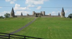 Entering This Hidden Kentucky Castle Will Make You Feel Like You're In A Fairy Tale