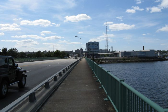 US_Route_6_westbound_entering_New_Bedford,_MA