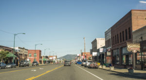 This Washington Mountain Town Is Picture Perfect For A Day Trip