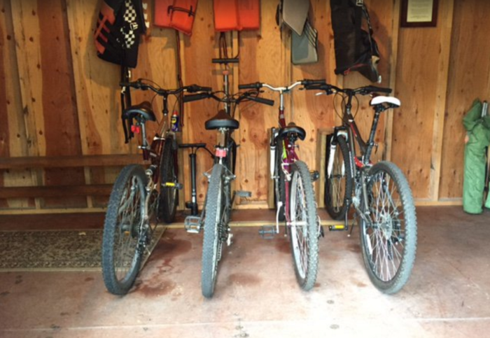 Borrow one of the bikes and go on a scenic ride, exploring the roads of western Maryland. You can also grab a life vest and complimentary fishing equipment before heading down to the lake.