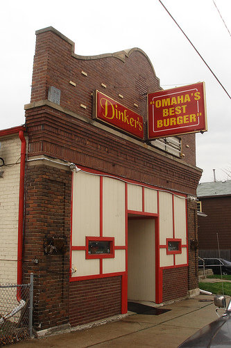 5. Dinker's Bar and Grill, Omaha