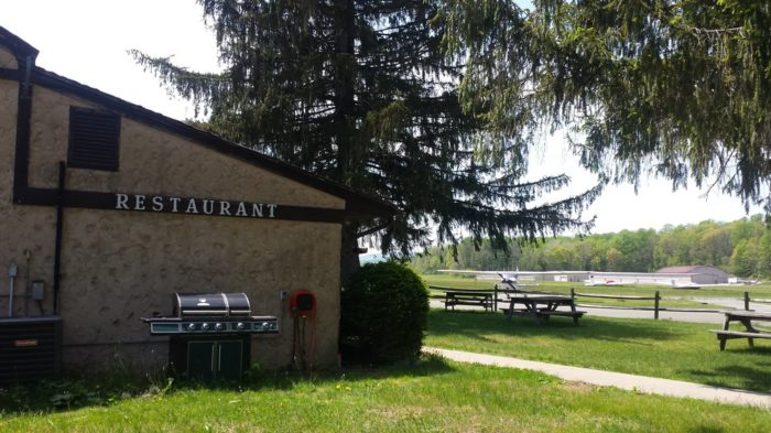 Donna's Runway Cafe - Blairstown