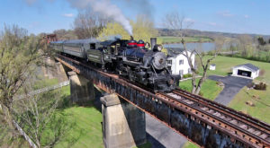 Take This Fall Foliage Train Ride Through Tennessee For A One-Of-A-Kind Experience