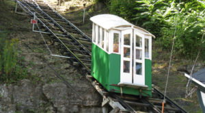 The World's Most Scenic, Steepest Railway Is Right Here In Iowa And You Need To Visit