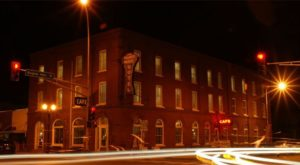 The Story Behind This Haunted Hotel In Minnesota Is Truly Creepy