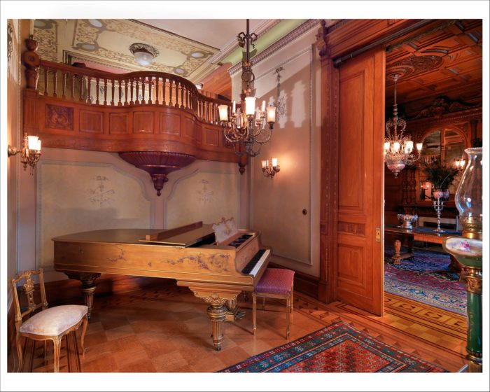 The house looks just as it did when the Heurich's lived here, including an original C Steinway piano from 1901, which the Heurich children played and in one room you can see family photos and labels from the brewery.