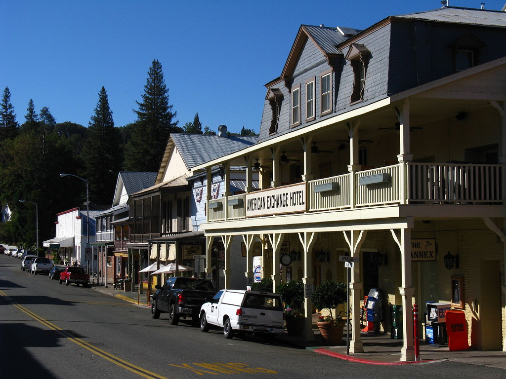 15 quiet and peaceful small towns in northern california