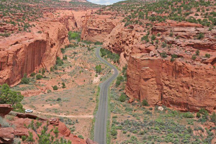 The Burr Trail take you through Long Canyon.