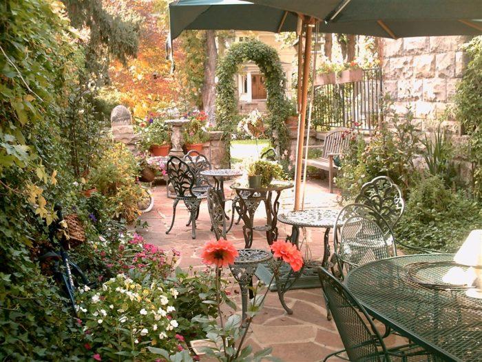 marne-victorian-garden-seating.JPG.1024x0-1