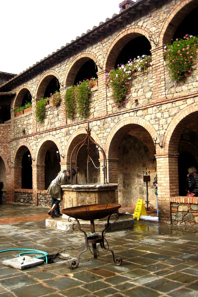 The courtyard is the location for corporate events. While you can't get married here, you are able to be your gal's Prince Charming and pop the question...more on that later.