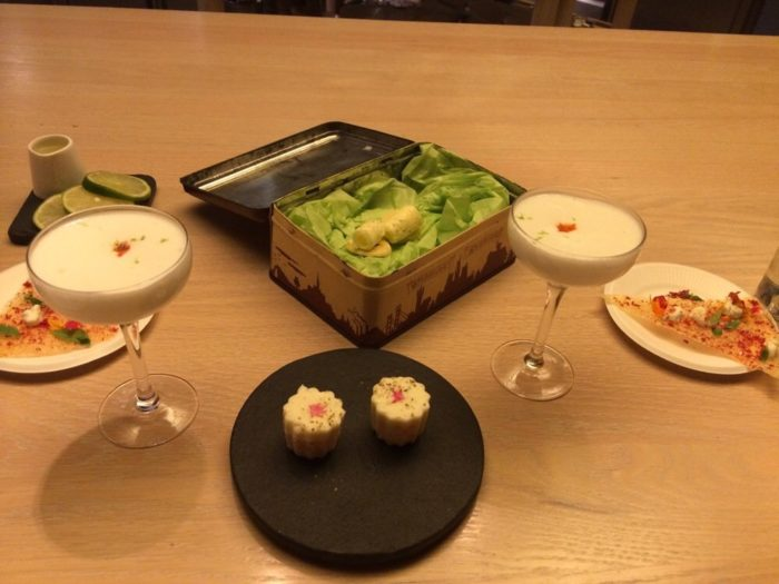 Presentation is incredibly important at minibar so as you enjoy your meals, you will be delighted at how they arrive on your table. Tarts, bread, nuggets, and other bites may be presented inside ornate boxes or even wooden books.