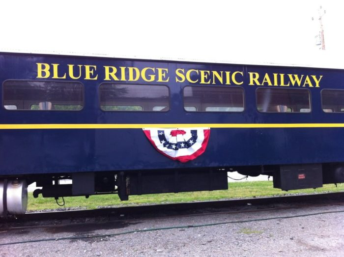 You'll wind along the beautiful Toccoa River for nearly an hour in the fantastic, vintage train cars.