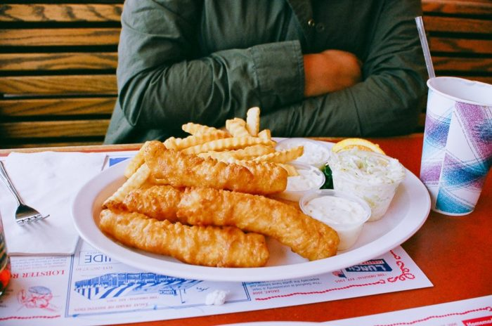 Not in the mood for lobster? Then don't forget to try the Fish-n-Chips or simply treat yourself to one of their homemade desserts!