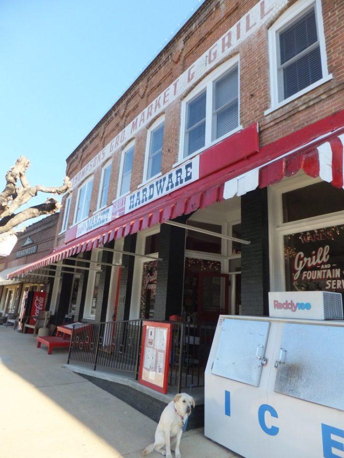 6. Ward's Dairy Bar and Grill, Saluda