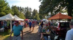 Everyone In New Hampshire Should Visit This Epic Flea Market At Least Once