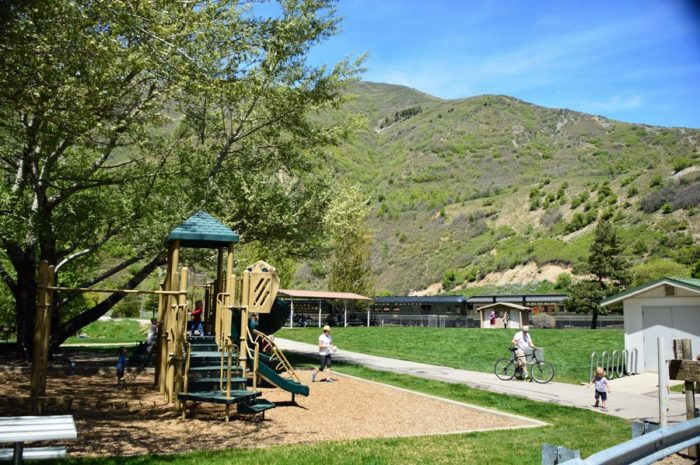 You'll enjoy a 20 minute layover at the Vivian Park. Kids can get out and play; grownups will enjoy a stroll along the river parkway.
