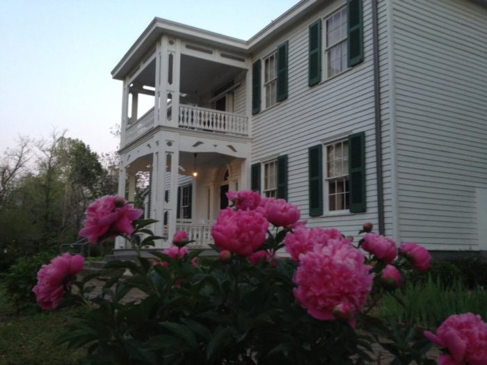 Take a tour of the last remaining antebellum plantation in Oklahoma for a journey back in time.
