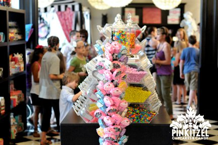 From freshwater taffy to loose candy to vintage and imported candies, Pinkitzel has it all.