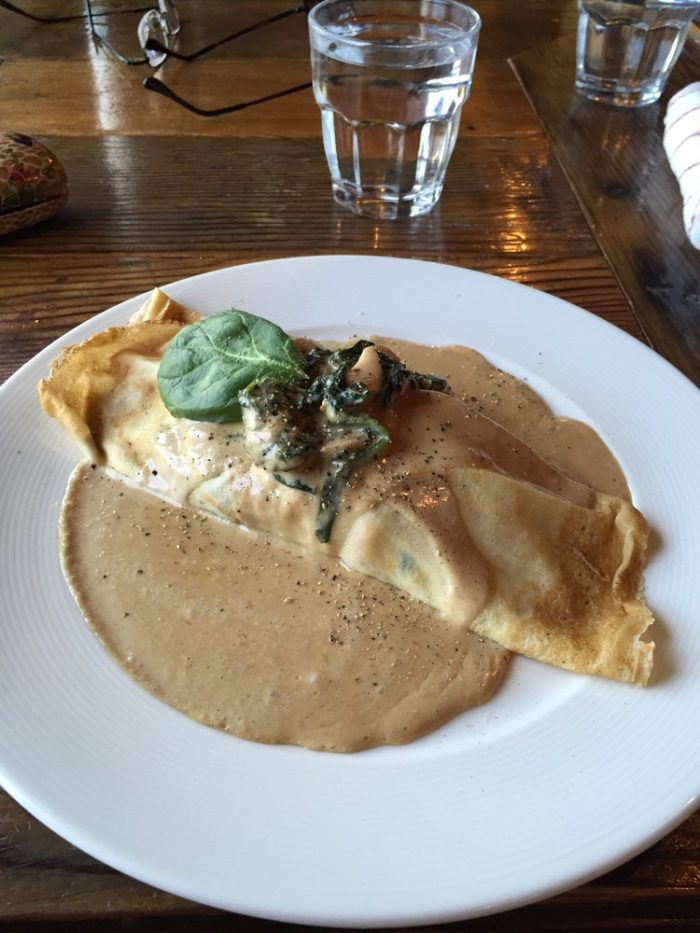 Crepes Florentine paired with your favorite wine or just grab and go. Every working woman will LOVE it here.