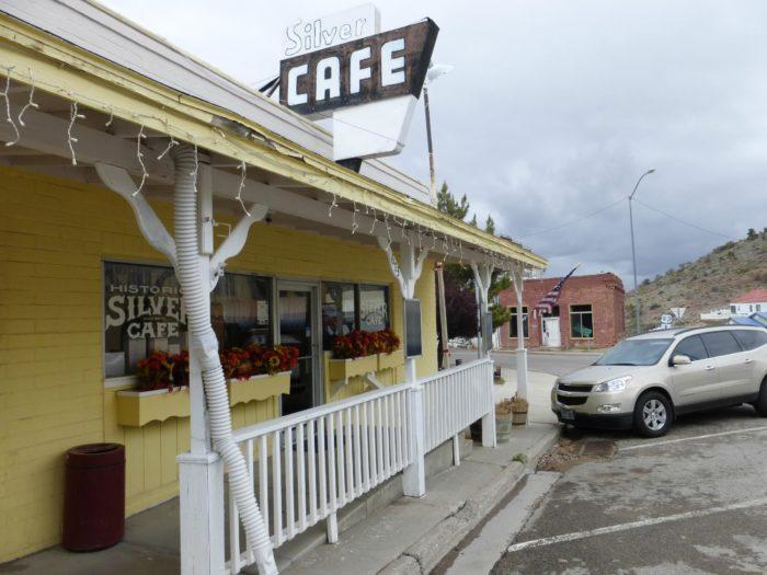 2. 1907: Silver Cafe & Bakery