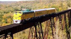 Take This Fall Foliage Train Ride Through Iowa For A One-Of-A-Kind Experience