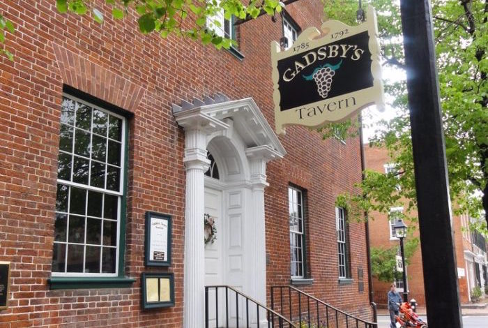 Gadsby S Tavern Is The Most Haunted Restaurant In Virginia
