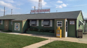 Watch Planes Take Off From These Unique Diners In New Jersey
