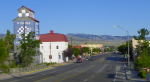 Here Are The 10 Best Cities In Wyoming To Raise A Family