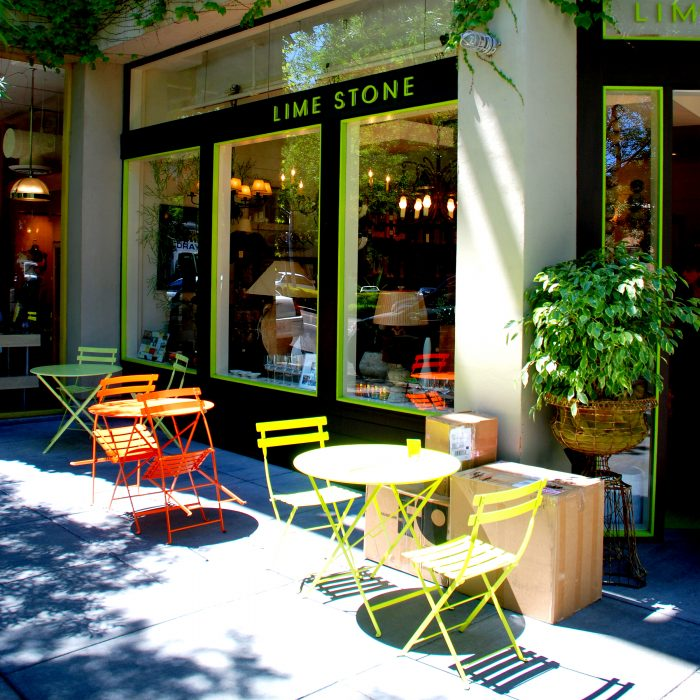 Healdsburg is also a good place to grab something to eat. This small wine town has a population of just over 11,000, but it boasts world-class food and wine.