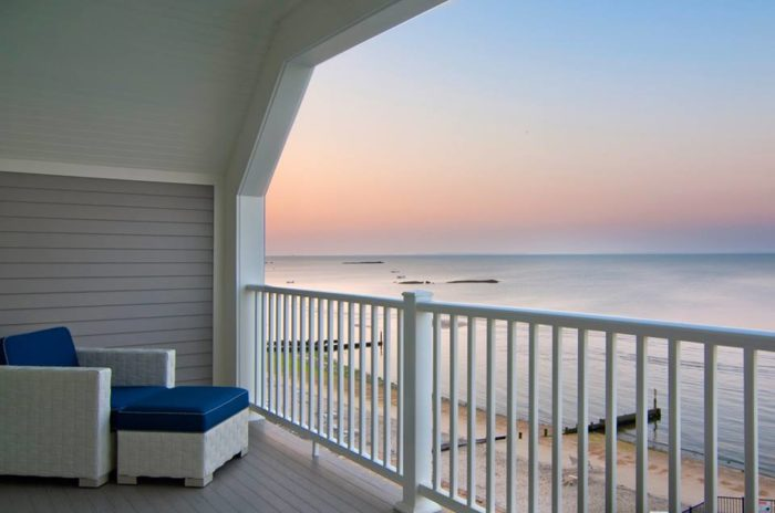 Return to your room after a day of fun to find a jaw-dropping sunset view. Elegant finishes will have you convinced that the rustic Westbrook is actually an island paradise.