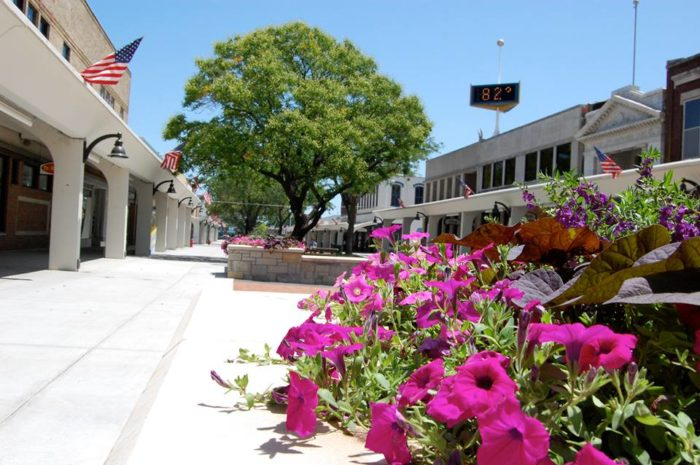 As if that wasn't enough, Atchison is also home to unique shops, wonderful boutiques, and one-of-a-kind restaurants that you will only find in this charming town.