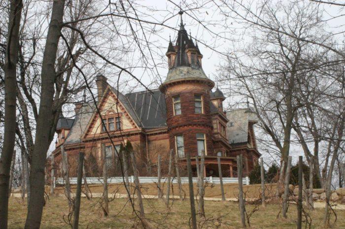2. Henderson Castle (100 Monroe St, Kalamazoo)