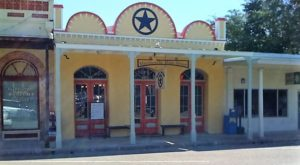The Tiny Town Near Austin With The Most Mouthwatering Restaurant