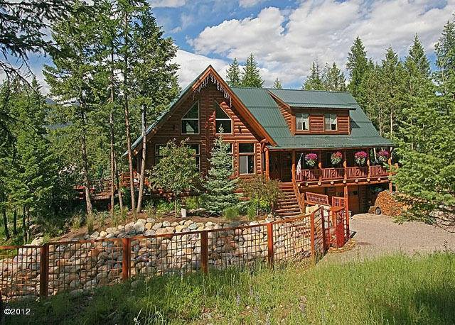 The Dreamcatcher Lodge is located just a few minutes from Glacier National Park.
