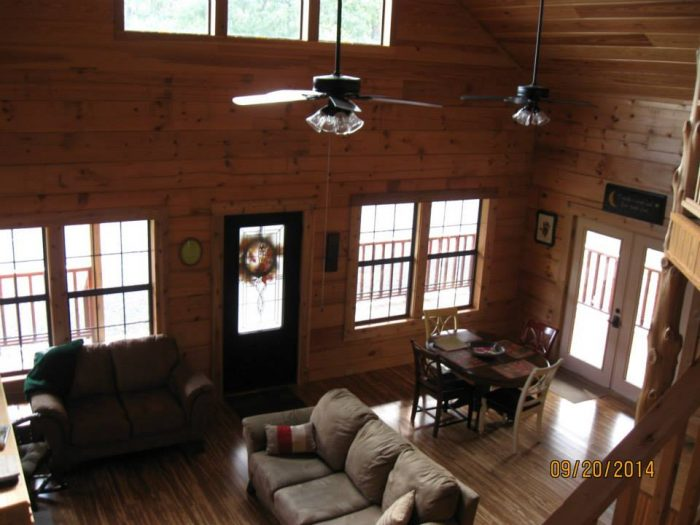 10 Cozy Arkansas Cabins That Are The Ultimate Fall Getaway