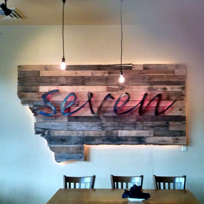 5.  Seven Bar & Grill, Lakeside